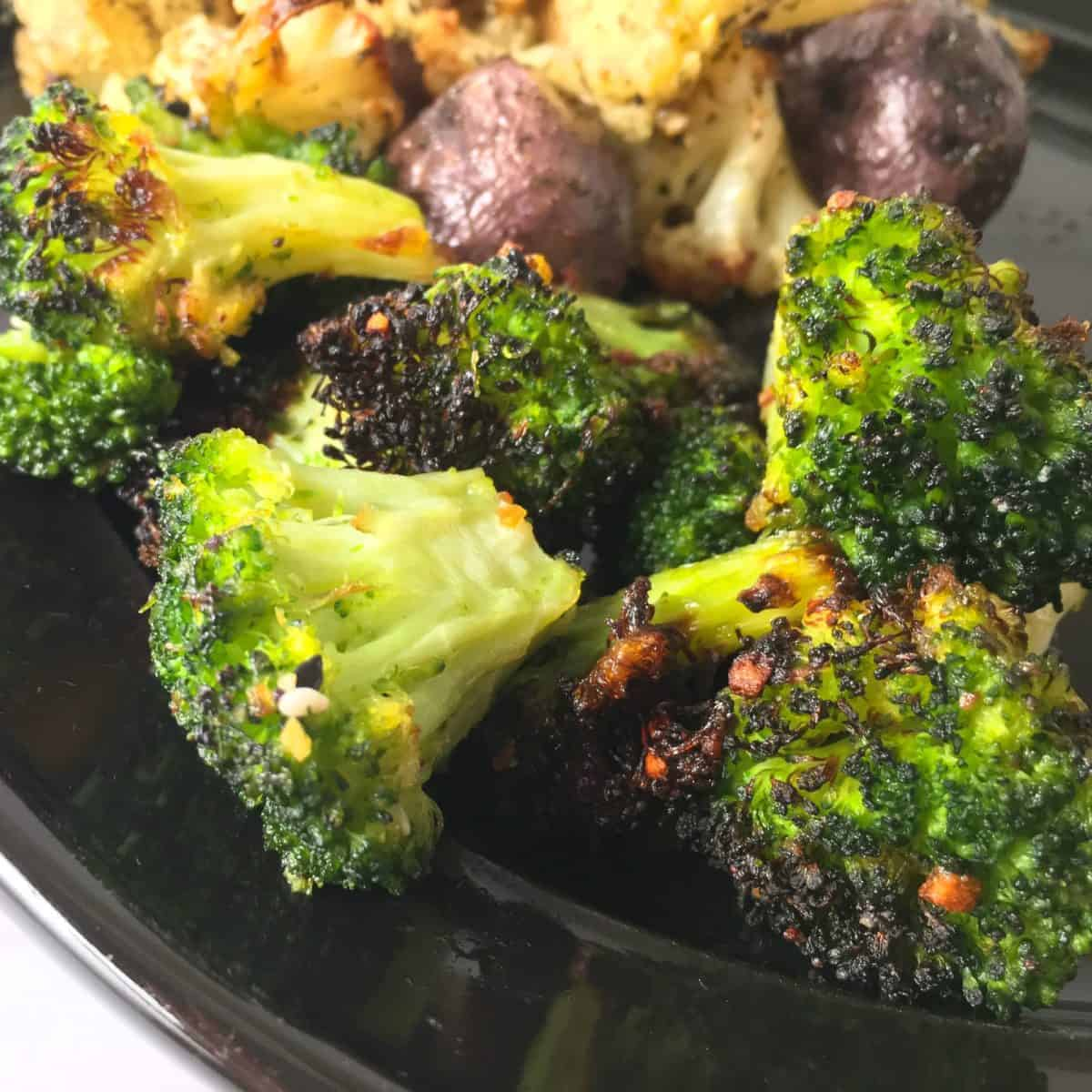 Air fryer broccoli square image