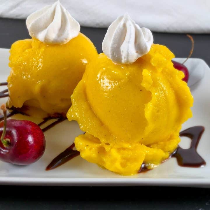 Vegan mango nice cream