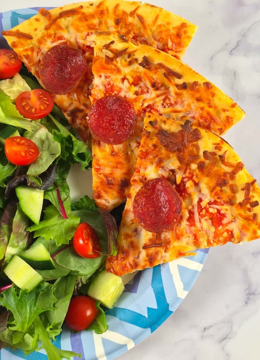 air fry frozen pizza with salad