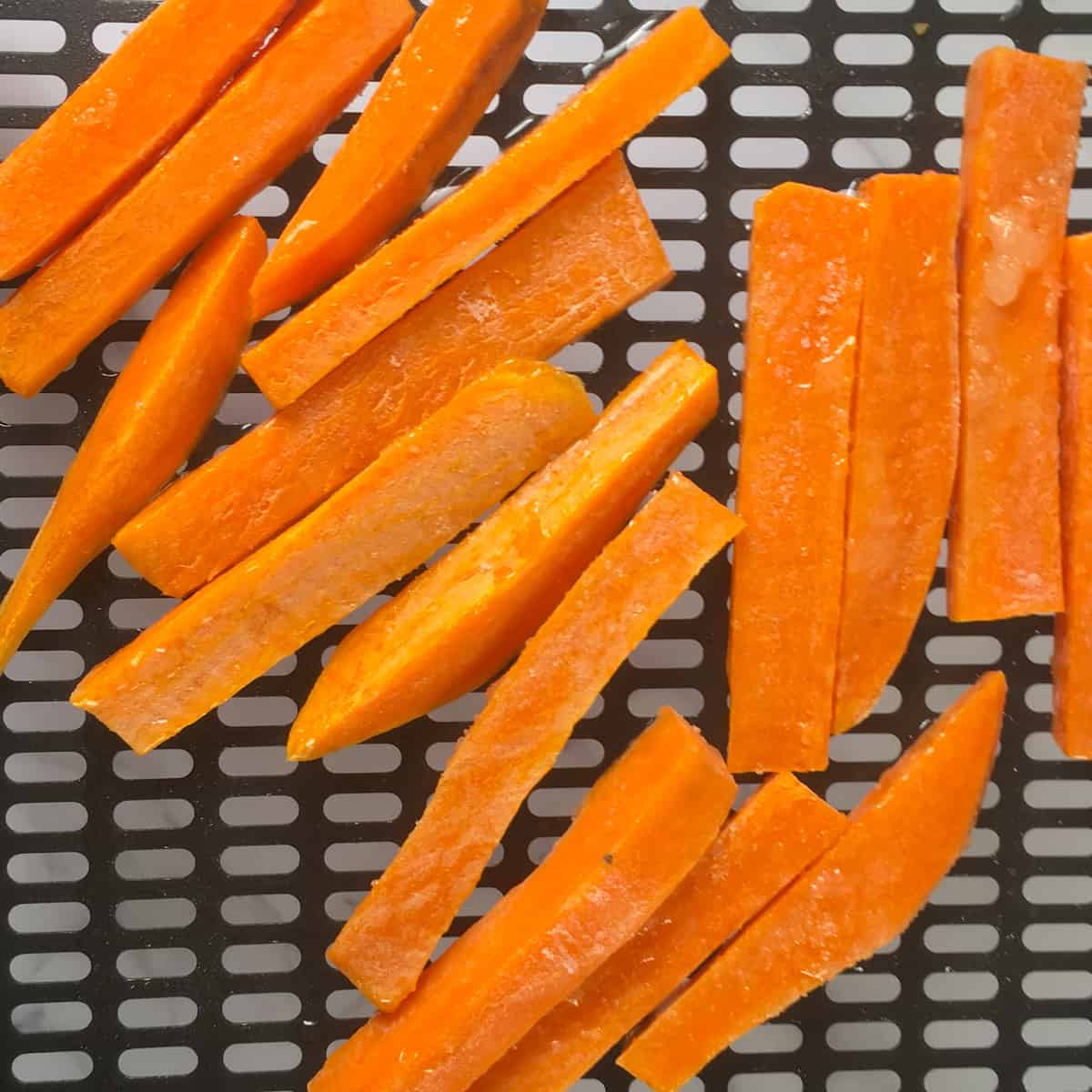 yam strips on air fryer tray