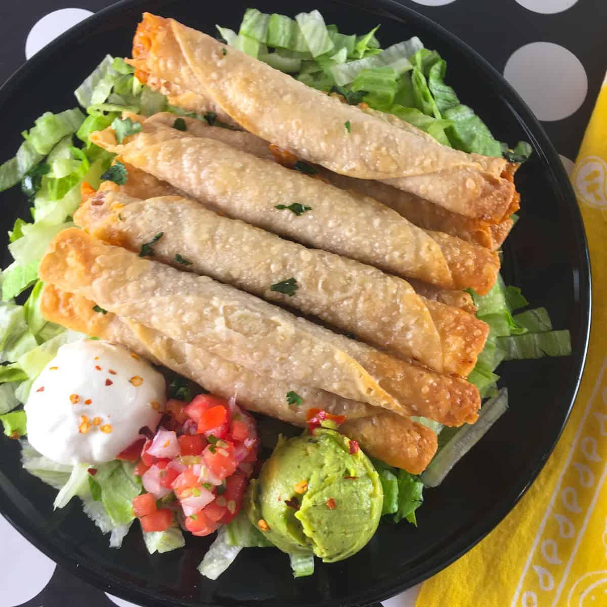 taquitos salsa guac