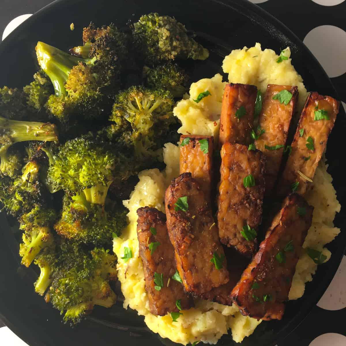 vegan tempeh potatoes broccoli